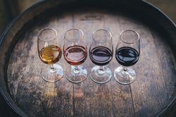 Liste de nos vins, champagnes, bières, génépi et chartreuse